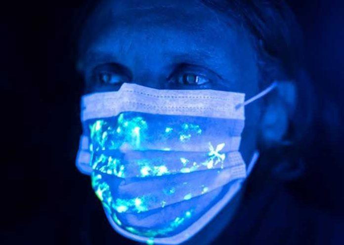 UV Light Face Mask