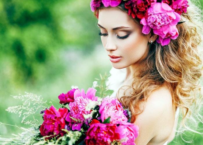 Adaa khan with Flowers