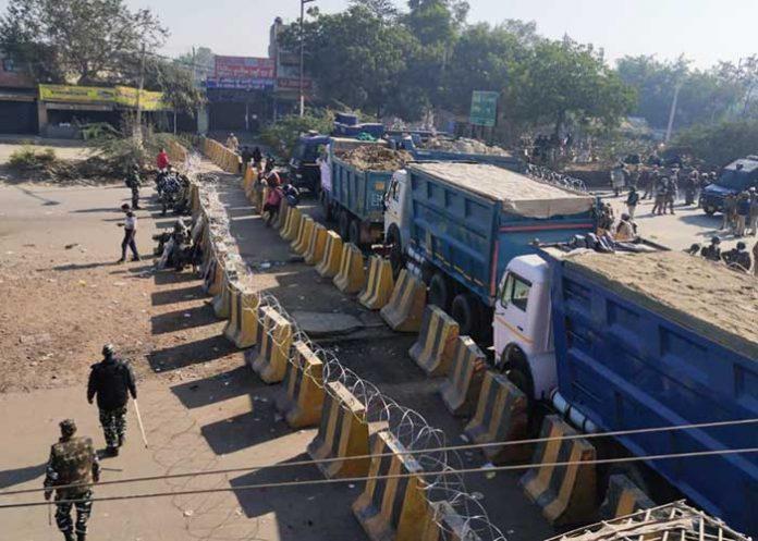 Farmers Protest Delhi Border Barricading