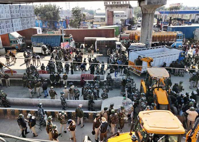 Farmers Protest Tikri Border Barricade