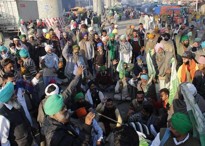 Farmers protest at Tikri Border