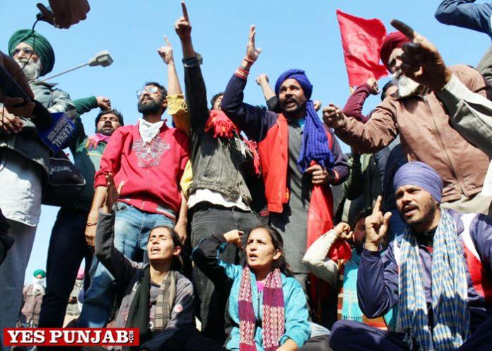 protesting farmers Bhangra beats perked up Singhu