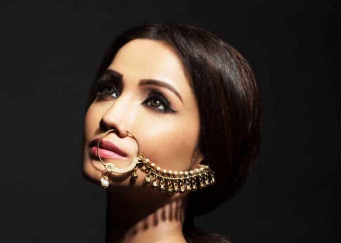 Adaa Khan why