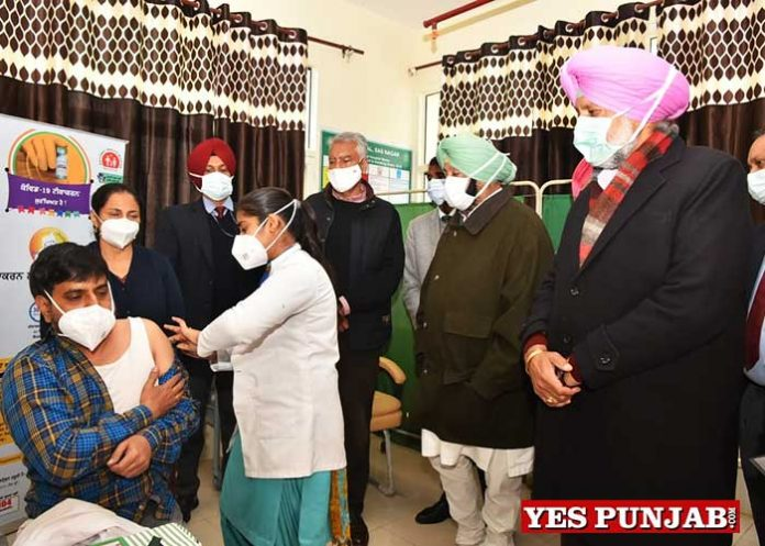 Amarinder rolls out Covid Vaccination in Punjab