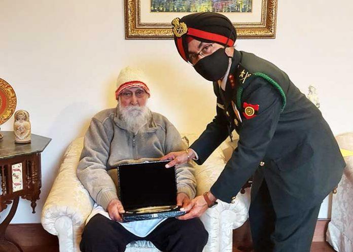 Col Prithipal Singh get Silver Salver by Maj Gen GS Kahlon