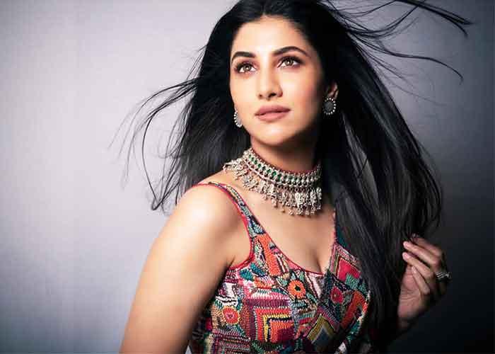 Bengali star Rukmini Maitra to debut in Bollywood in Vidyut Jammwal-starrer  'Sanak' - YesPunjab.com