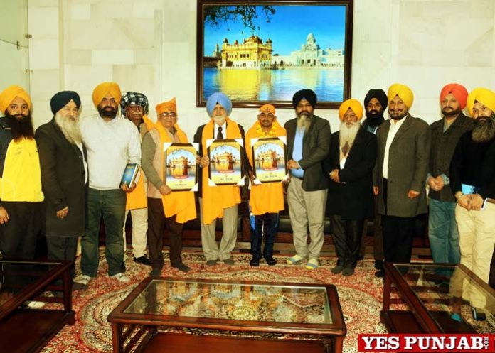 SGPC honours Manoj Kumar