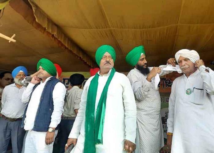 Pagdi Sambhal Diwas celebrated at Delhi borders