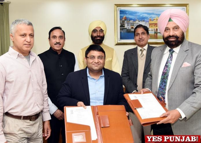 Sarkaria signs pact powerhouses Shahpurkandi dam