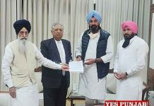 Majithia SAD Leaders giving letter to Rana KP Singh