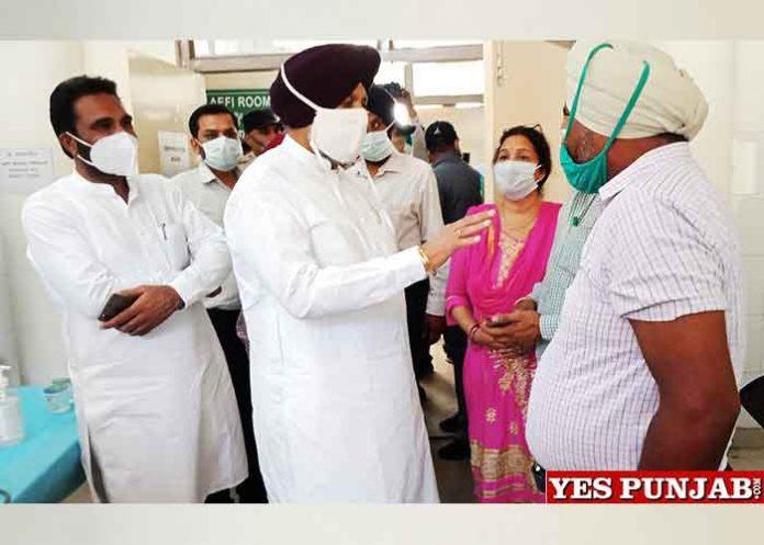 Balbir Sidhu surprise checking COVID Vaccination Centre