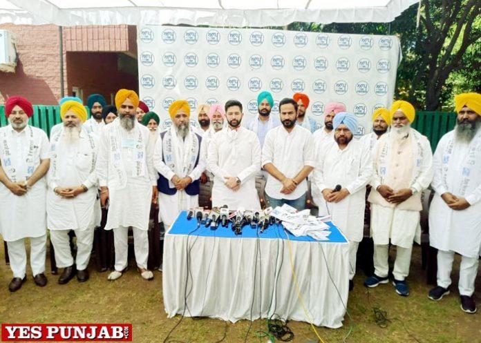 Sarvan Singh Dhun joins AAP