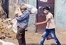 Man carries daughter body on shoulders Jalandhar