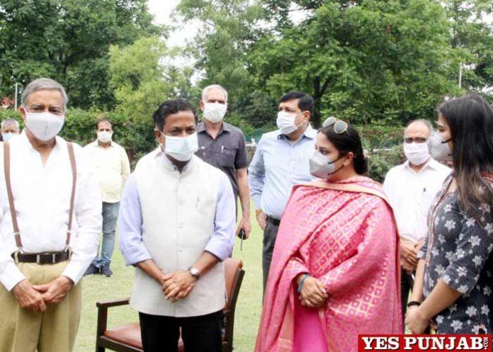 Manoj Parida opened at Mini Covid Centre Sri Aurobindo School
