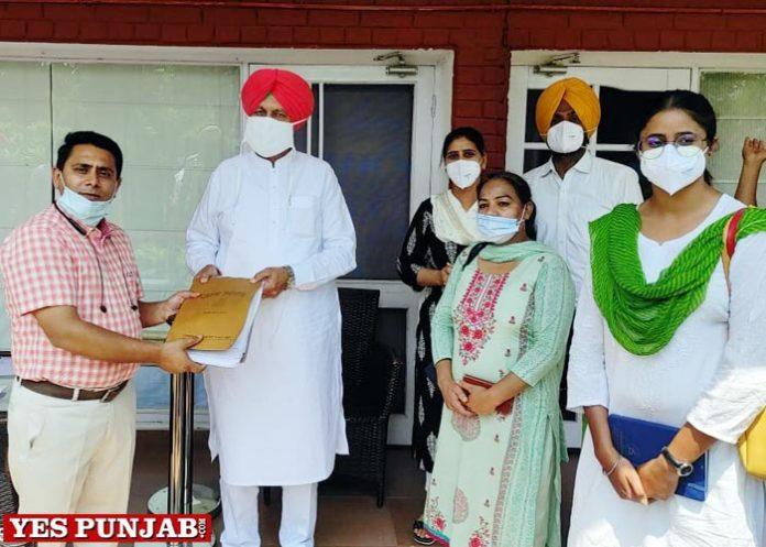 NHM employees meet Balbir Sidhu
