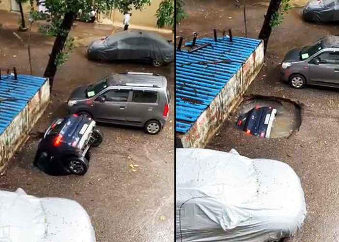 Car swallowed up by Mumbai well