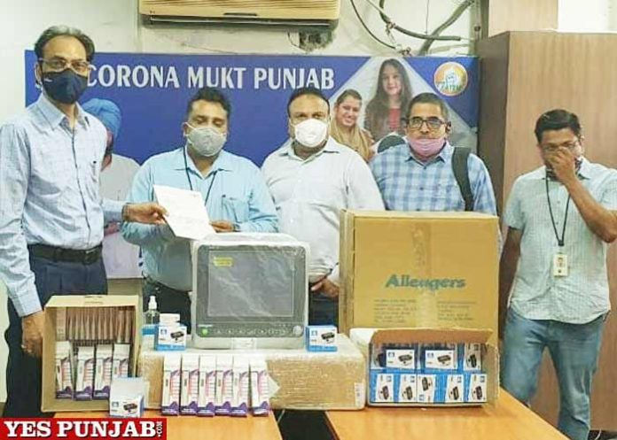 Infosys Foundation hands over Medical Equipment