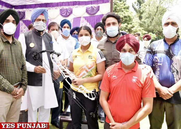 Rana Sodhi disburses training equipment