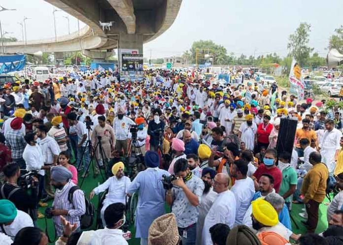 AAP workers protest near Pb CM house