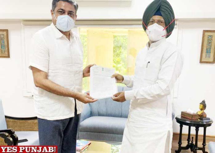 Amar Singh meets Union Tourism Secretary