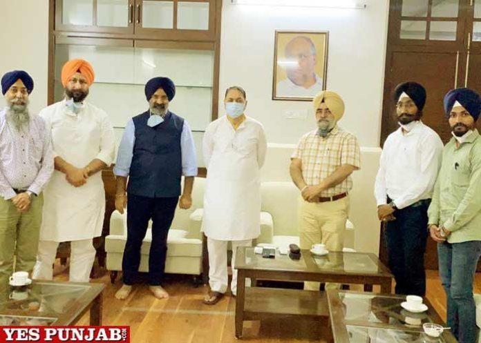 Dalip Vasle Patil Manjinder Sisa meeting