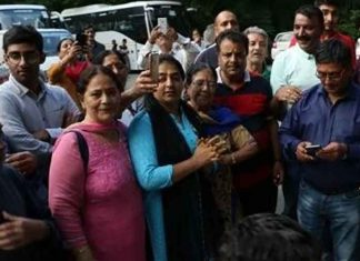Kashmiri Pandit youth returned Valley