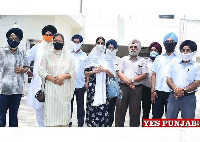 Kiranjot Kaur SGPC members meet Amritsar Police Commissioner