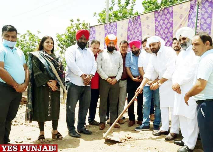 Mayor Jeeti Sidhu lays foundation stone 2 club building