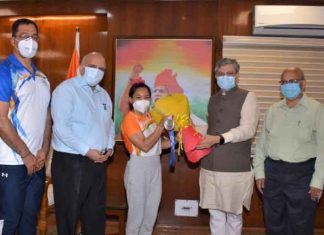 Mirabai Chanu meet Ashwini Vaishnaw
