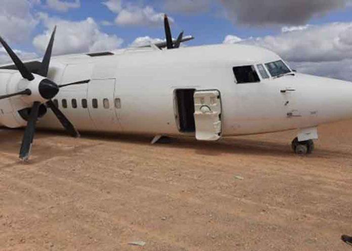 Plane crash lands in Somalia