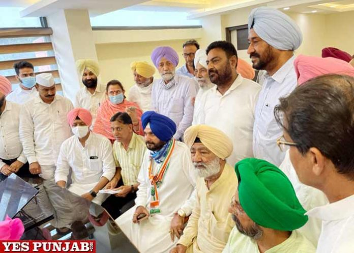 Sidhu holds first meeting