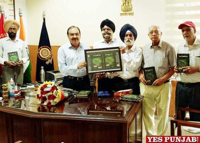 Chandra Gaind Dedication Sath Jugnuan Di collection