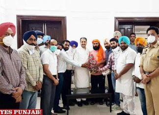 ETT union leaders thank Vijay Singla