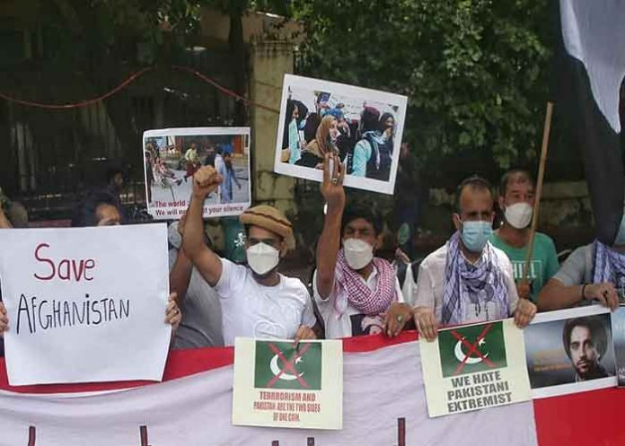Afghans protest against Pakistan Delhi