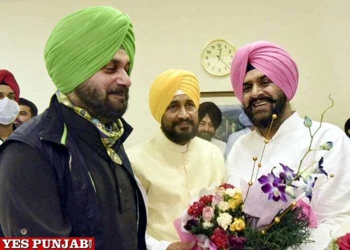 Amarjit Tikka congratulates Charanjit Channi