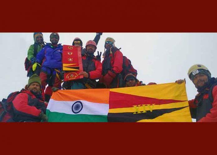 Army team summits Bhagirathi II
