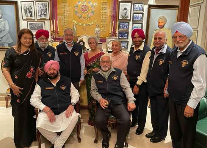 Capt Amarinder with his Army Batchmates