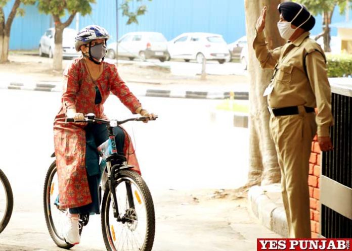 Chandigarh Mayor ride cycle from residences to MCC Office