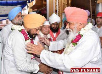 Channi pays obeisance at Dera Sachkhand Ballan