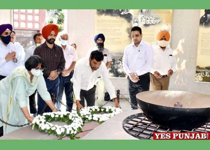 DWSS launches Satyagrah Se Swachhagrah Rath Yatra