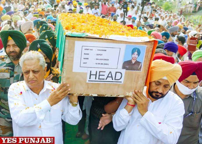Channi shoulders mortal remains Martyr Sepoy Gajjan Singh