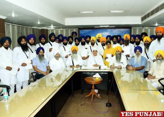 Jagir Kaur hand over Appointment Letters Dhadi Kavishar Jathas