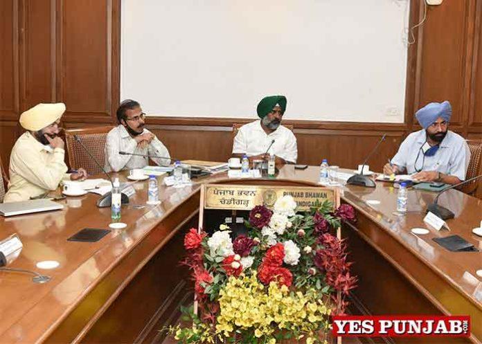 Pargat Singh meeting with eminentacademicians