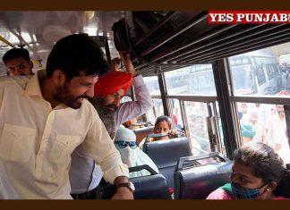 Raja Warring taking to Bus passenger